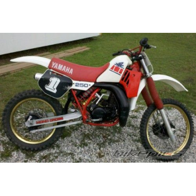 -- Yamaha motocross 1985 --